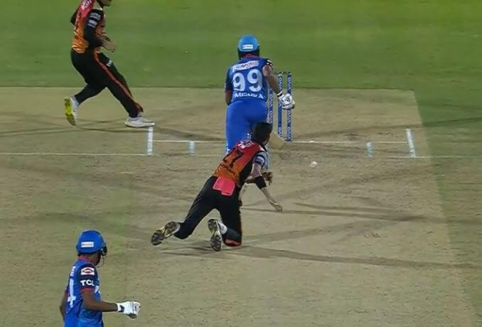 IPL 2019: Amit Mishra given out obstructing the field against SRH in the Eliminator, Watch Video