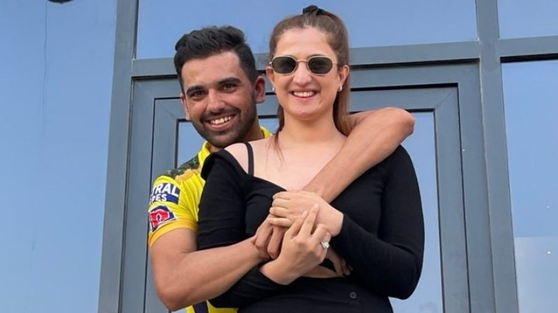 Deepak Chahar Proposes Girlfriend After Loss to PBKS; Twitter Goes Crazy